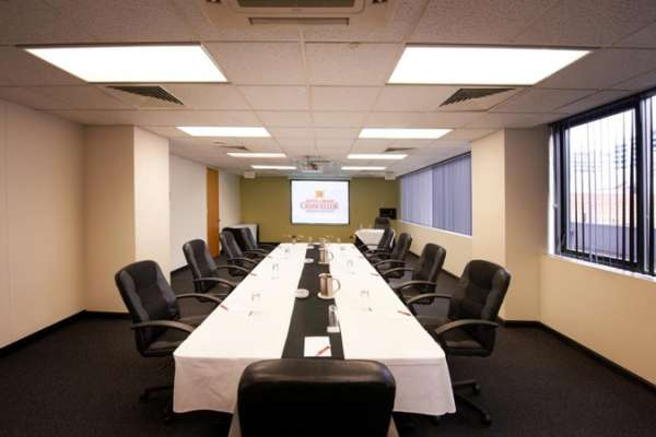 grand-chancellor-adelaide-on-hindley-conference-west-end-room-boardroom.jpg