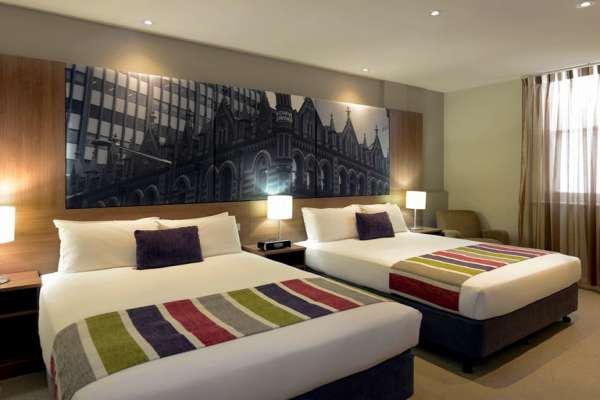mercure-grosvenor-hotel-adelaide-standard-twin-room.jpg