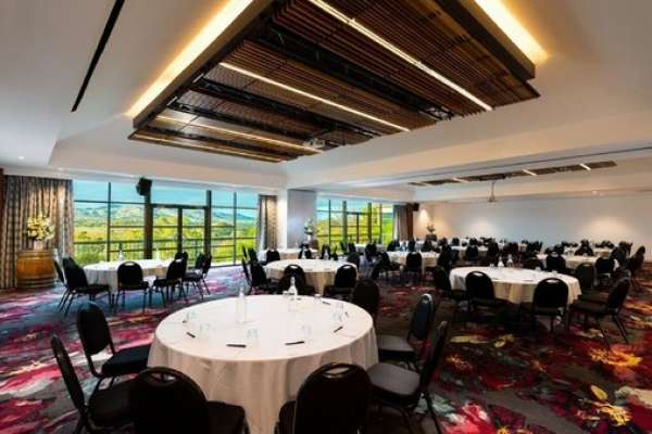 novotel-barossa-valley-adelaide-shiraz-conference-room.jpg